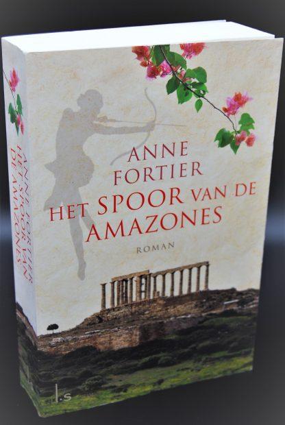 Het spoor van de amazones-Anne Fortier-9789021810591