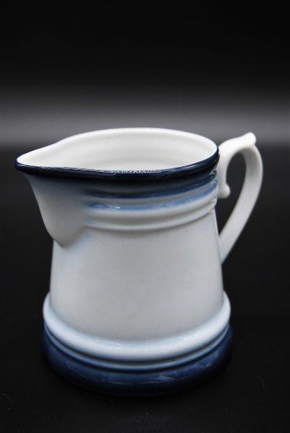 Melkkannetje Kronester servies Bavaria wit met een blauwe rand