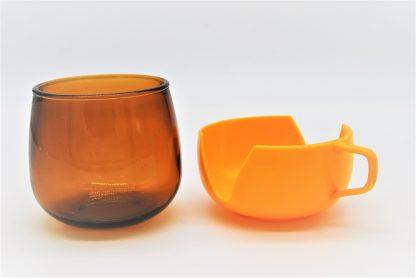 Vintage Theeglas geel-oranje in houder made in holland