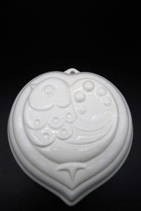 Witte aardewerk puddingvorm Hart-Vogel-Wit