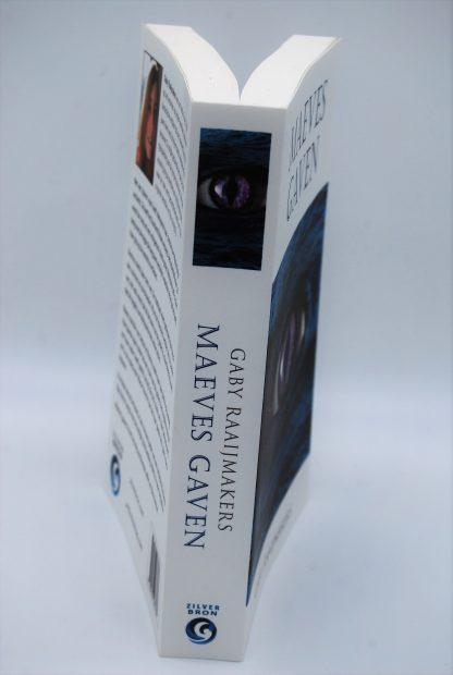 Maeves Gaven-Gaby Raaijmakers - Fantasy boek