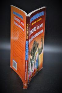 Onraad in het wrakkenmuseum-De verschrikkelijke drieling-Rom Molemaker