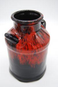 Rood zwart gevlamde vaas