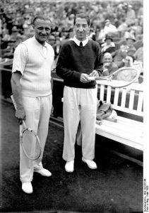 René Lacoste (rechts)