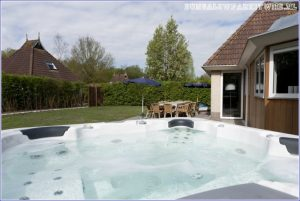 It Wiid: bungalow met jacuzzi