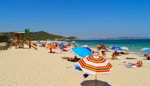 Playa es Cavallet in Ibiza