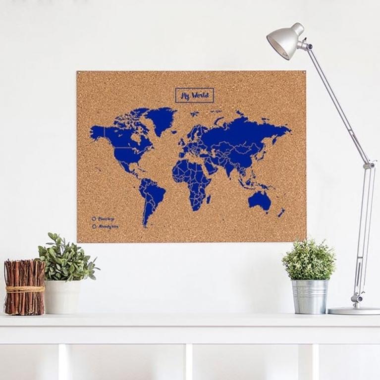Wereldkaart prikbord op kurk