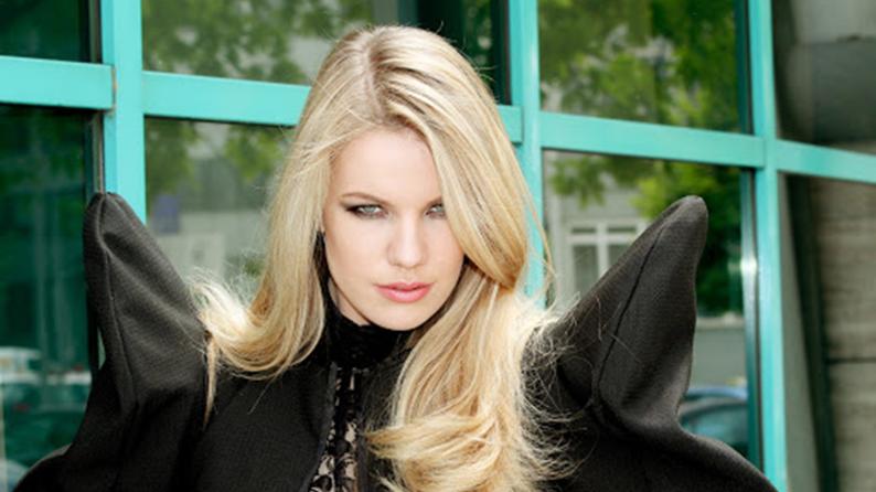 Ana Soklič voor Slovenië naar het Eurovisiesongfestival 2021.