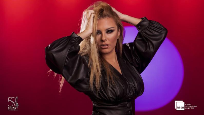 Anxhela Peristeri wint Albanese voorronde Festivali i Këngës.