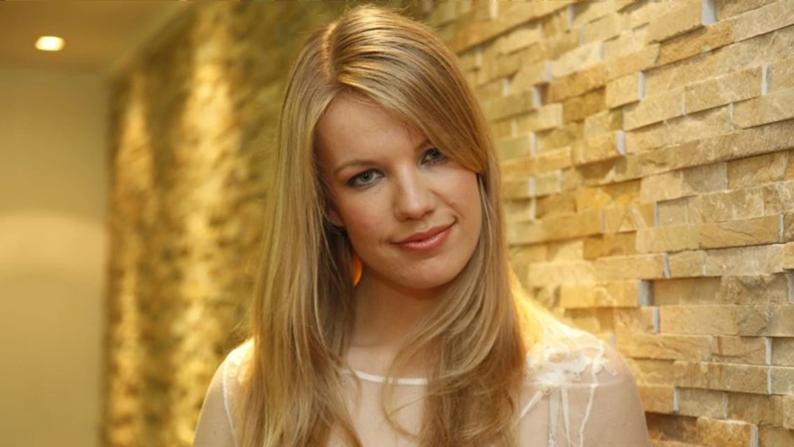 """Ana Soklič met """"Amen"""" naar het Eurovisiesongfestival."""