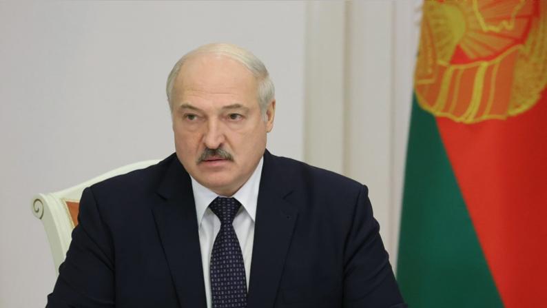 """Lukashenko: """"Er komt een nieuw lied voor Eurovisie""""."""