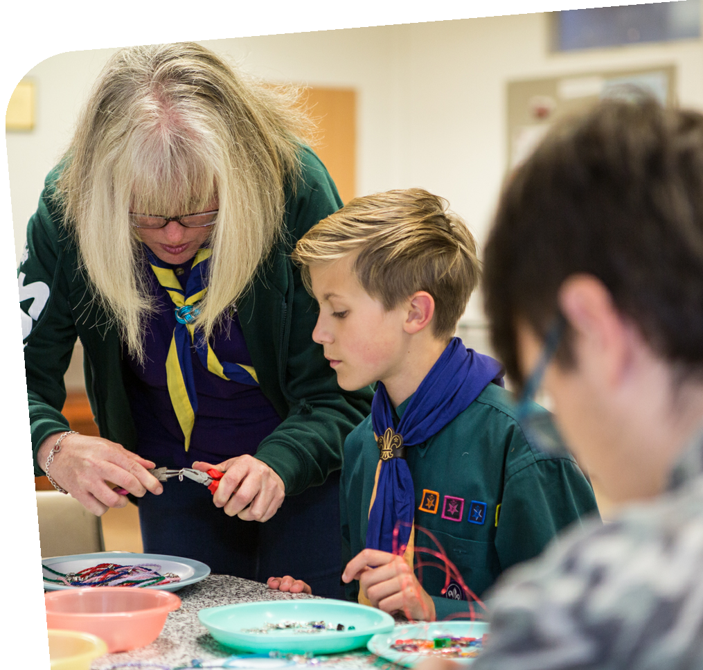 https://usercontent.one/wp/www.1stkeynshamscouts.org.uk/wp-content/uploads/2021/06/Leader-slider.png