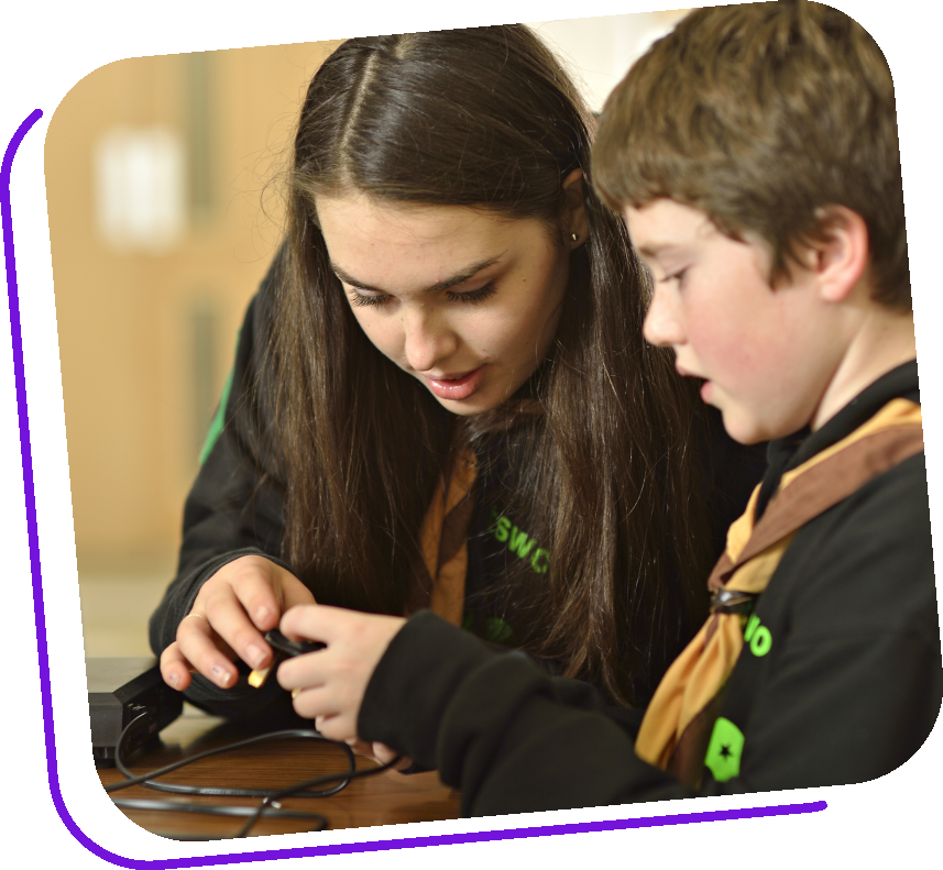 https://usercontent.one/wp/www.1stkeynshamscouts.org.uk/wp-content/uploads/2021/06/Young-leader-main-pic.png
