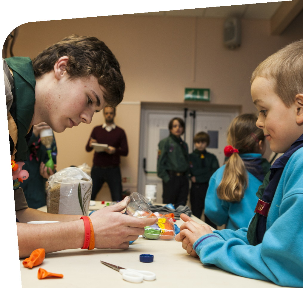 https://usercontent.one/wp/www.1stkeynshamscouts.org.uk/wp-content/uploads/2021/06/Young-leader-slider.png