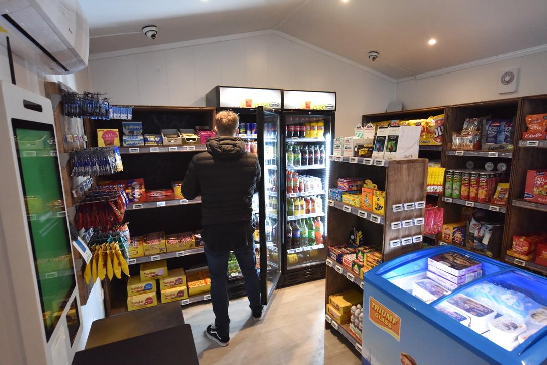 Enkelt att handla i Obemannad matbutik från 24 Sju