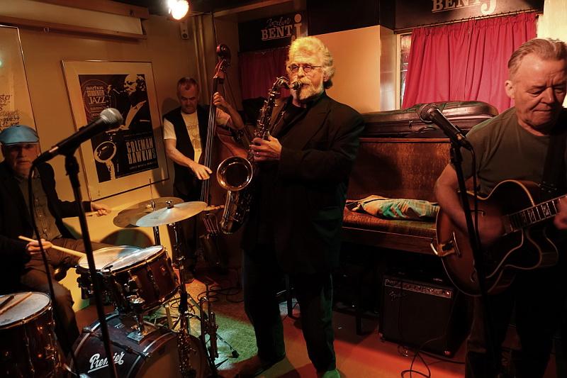 Finn Odderskov på Jazzbar Bent J. i Den Gamle By