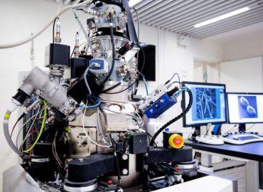 Helium-Ion microscope