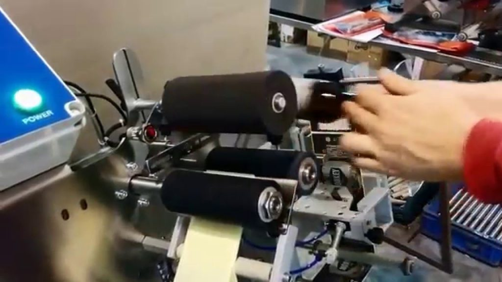 applicatore di etichette semi-automatico