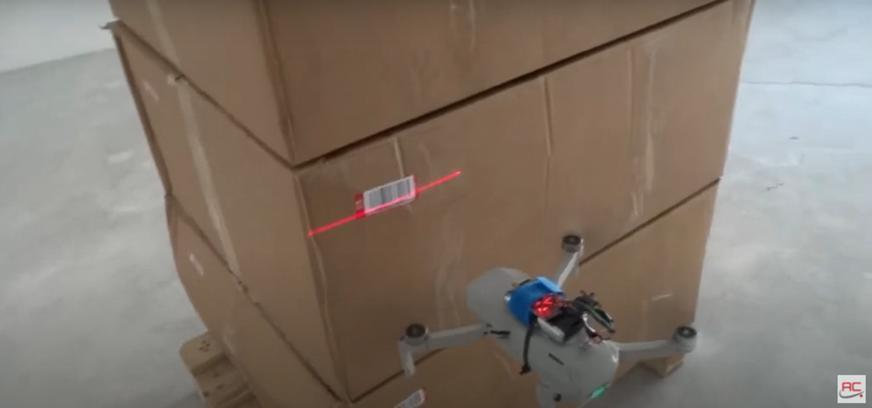 lettura di un codice a barre con un drone