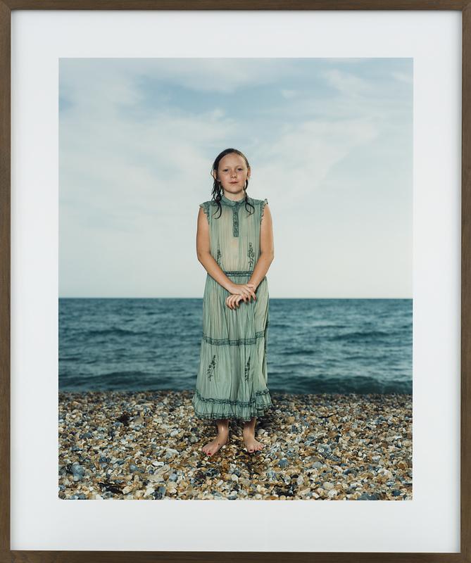 Rineke Dijkstra, Brighton, Engeland, 21 augustus 1992, 1992, C-print, 149,5 x 125,5 x cm (incl. lijst), Van Abbemuseum, Eindhoven. Foto: Van Abbemuseum.