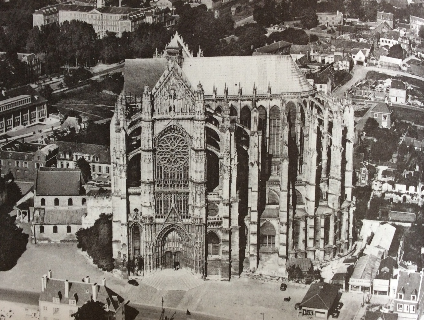 Kathedraal St. Pierre in Beauvais. Foto: Bony 1983, p.294.