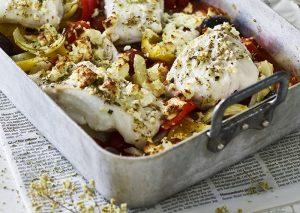 Ovnbagt torsk med stegte kartofler og urtedressing
