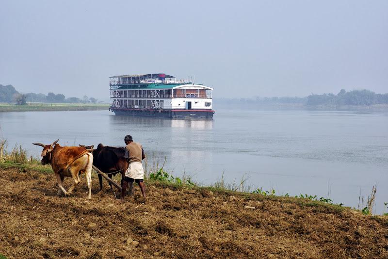 Ganges Kreuzfahrtschiff Bengal Ganges Indien