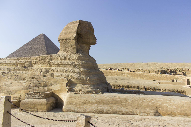Sphinx bei den Pyramiden von Gizeh Ägypten