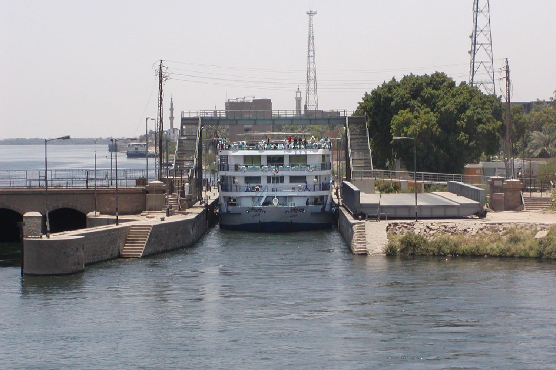Nil Schleuse in Esna Ägypten