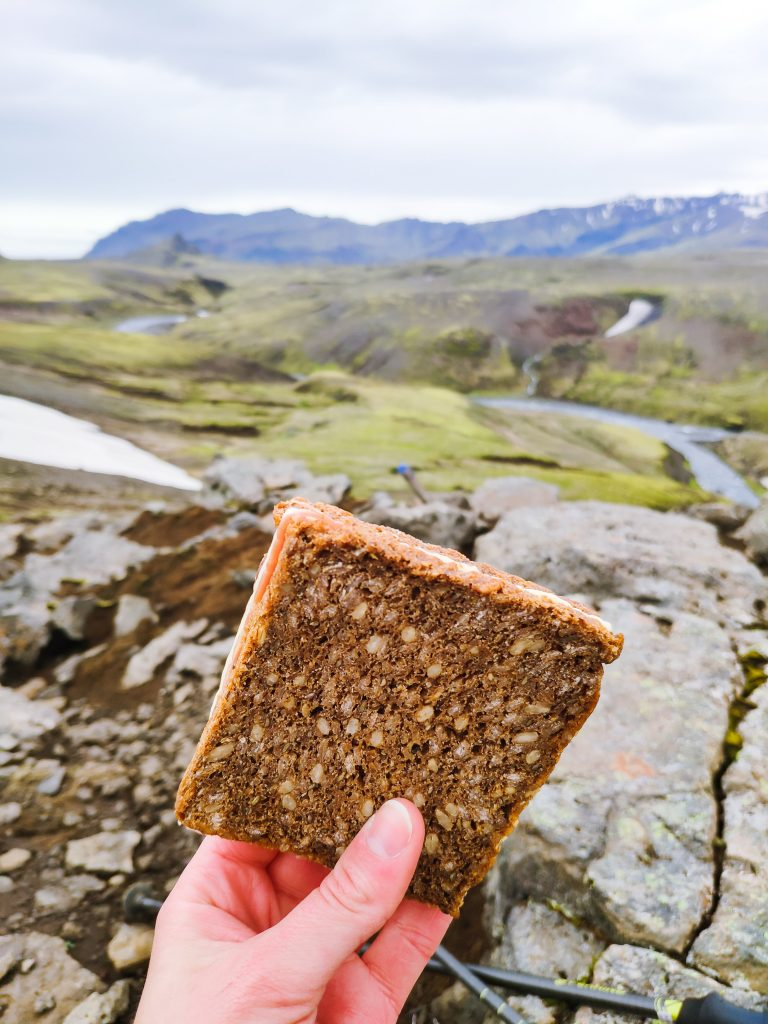 Góð samloka úr grófu brauði.