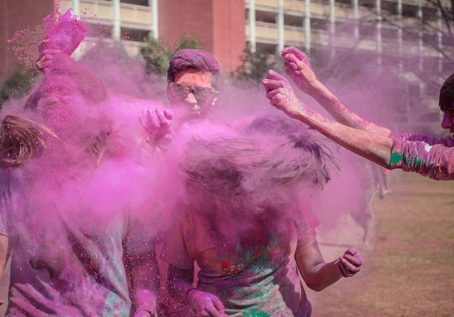 Bilde av lek med farger