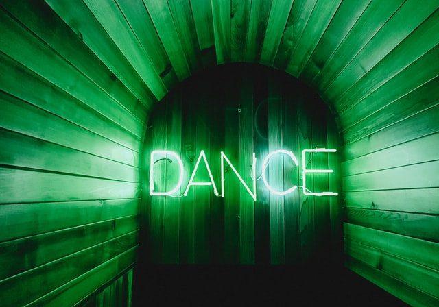 Bilde av neonlys dance