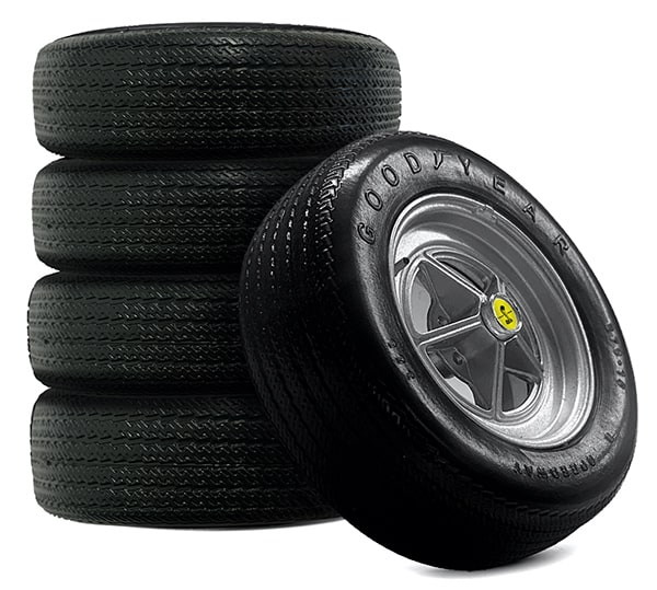 Shelby Mustang original Goodyear tyres