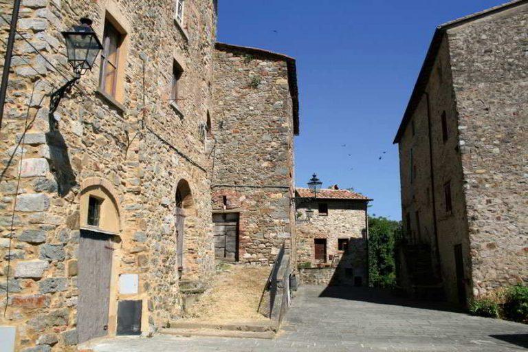 Castelnuovo Piazza
