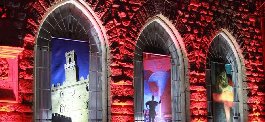 Soggiorna all'agriturismo il Pratone e partecipa alla Notte Rossa di Volterra