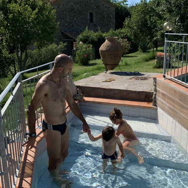 Agriturismo Il Pratone Swimming pool area for children