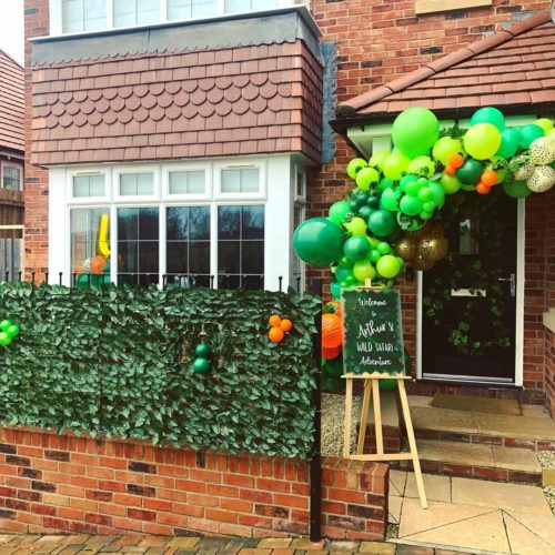 ivy exterior wall and outdoor balloon garland green balloons
