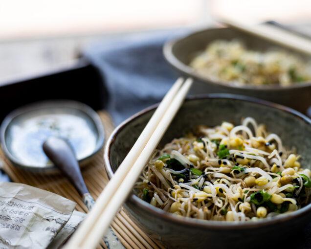 Salade de pousses de soja coréenne