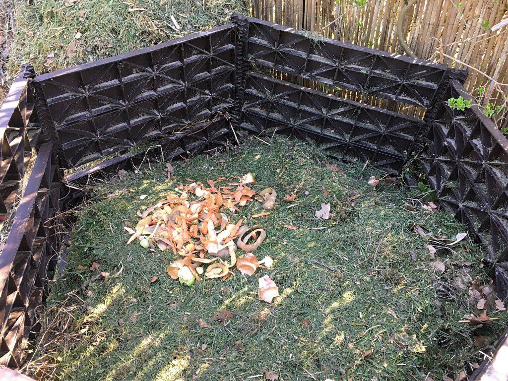 Düngen: Komposthaufen als Humuslieferant
