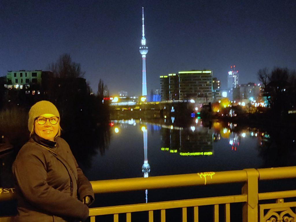 Spree med Fernsehturm i baggrunden - 1. januar 2020 (C) allesgut.berlin