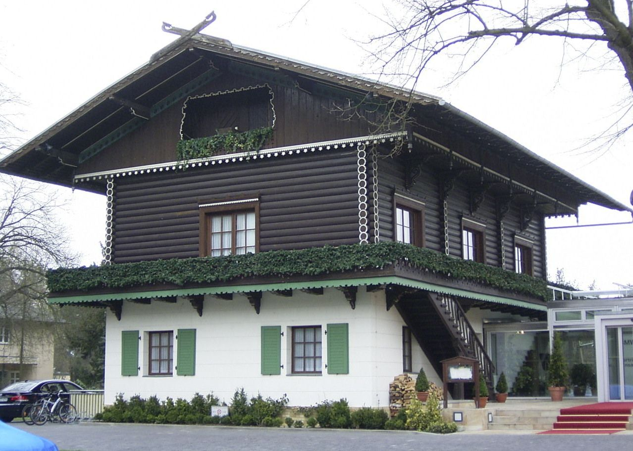 Bayrisches Haus Foto karstenknuth Wikimedia Commons (C) allesgut.berlin