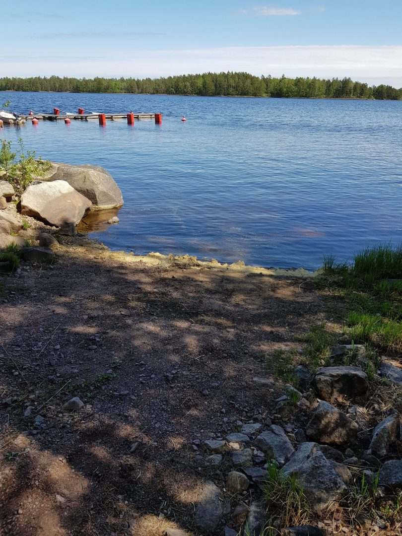 Tjärhällarna - båtplats med isättningsramp.
