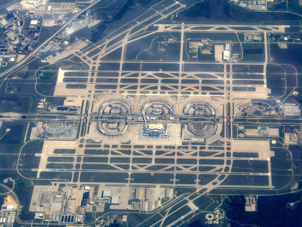 busiest airports number 8 hong kong