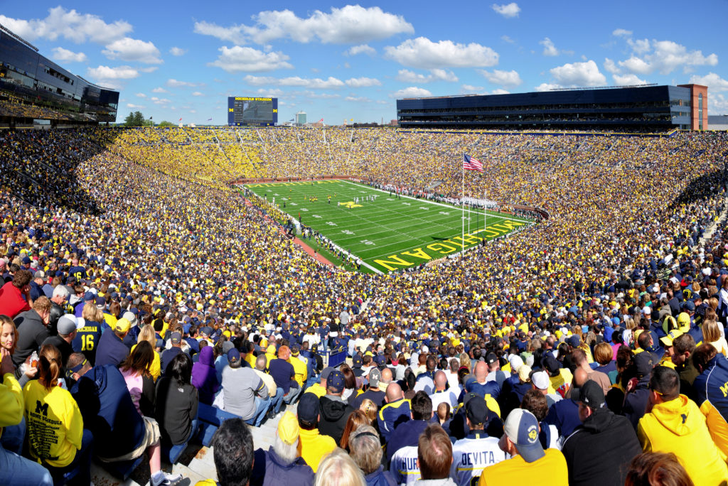 largest stadiums in the world - largest stadium in america