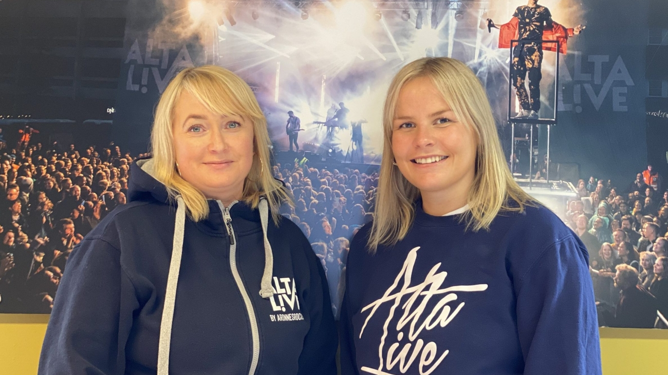 Yvonne Henriksen og Maria Løksa Bellika er klare til å ta i mot alle frivillige på årets Alta Live