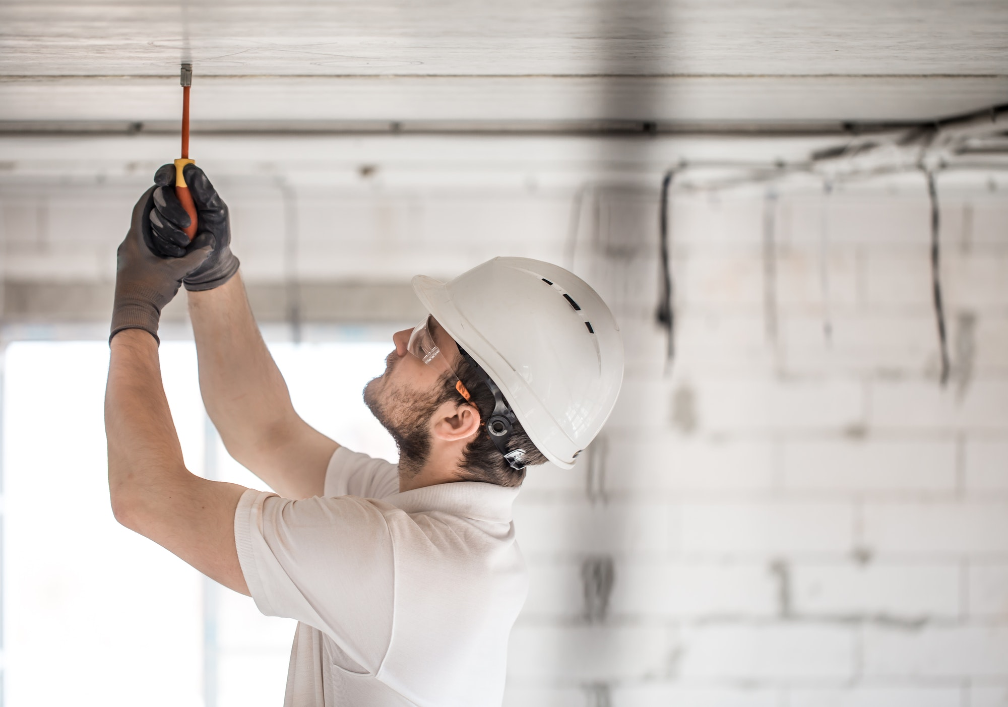 Vi hos Amagers Elektriker udfører alt indenfor el og el-service med elektriker døgnvagt lørdag, søndag og i weekenden, vores almindeligste ydelser er;