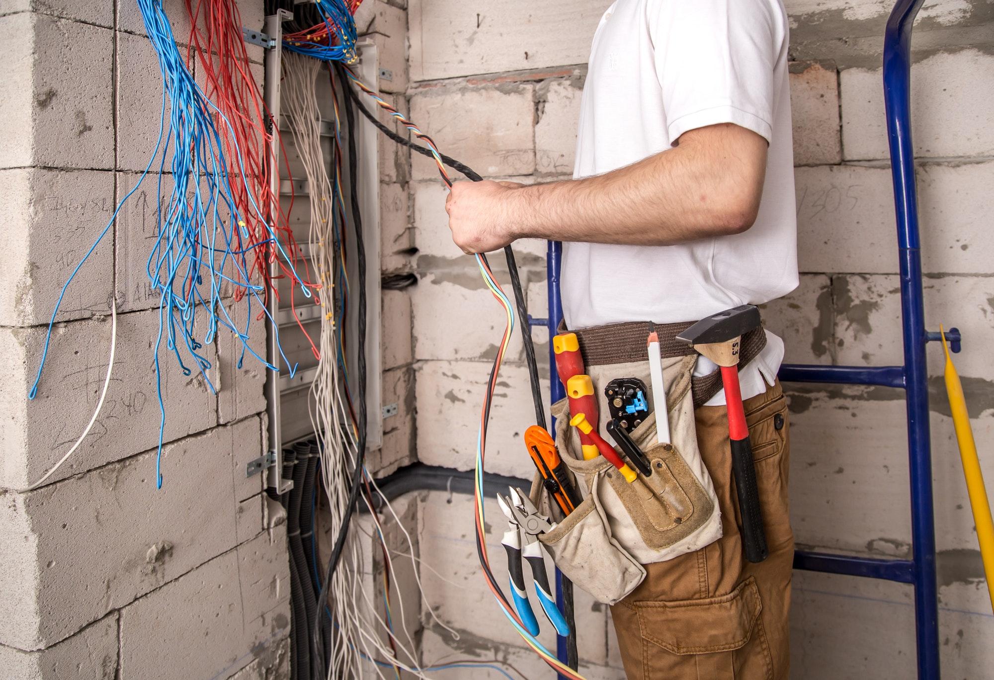 Amagers Elektriker Kastrup hjælper dig med både store og små opgaver i Kastrup , ring til os akut ved behov af elektriker døgnvagt Kastrup