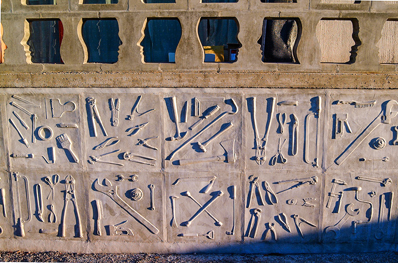 23_Kista_gymnasium_detalj_betong-b