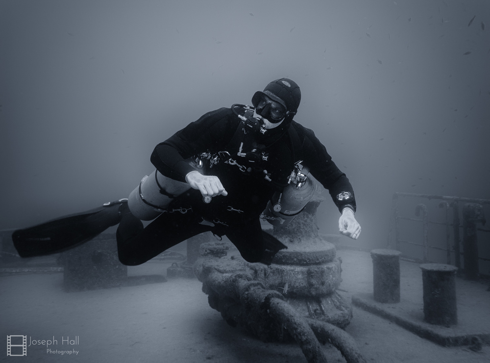 tech diver anchor diving malta