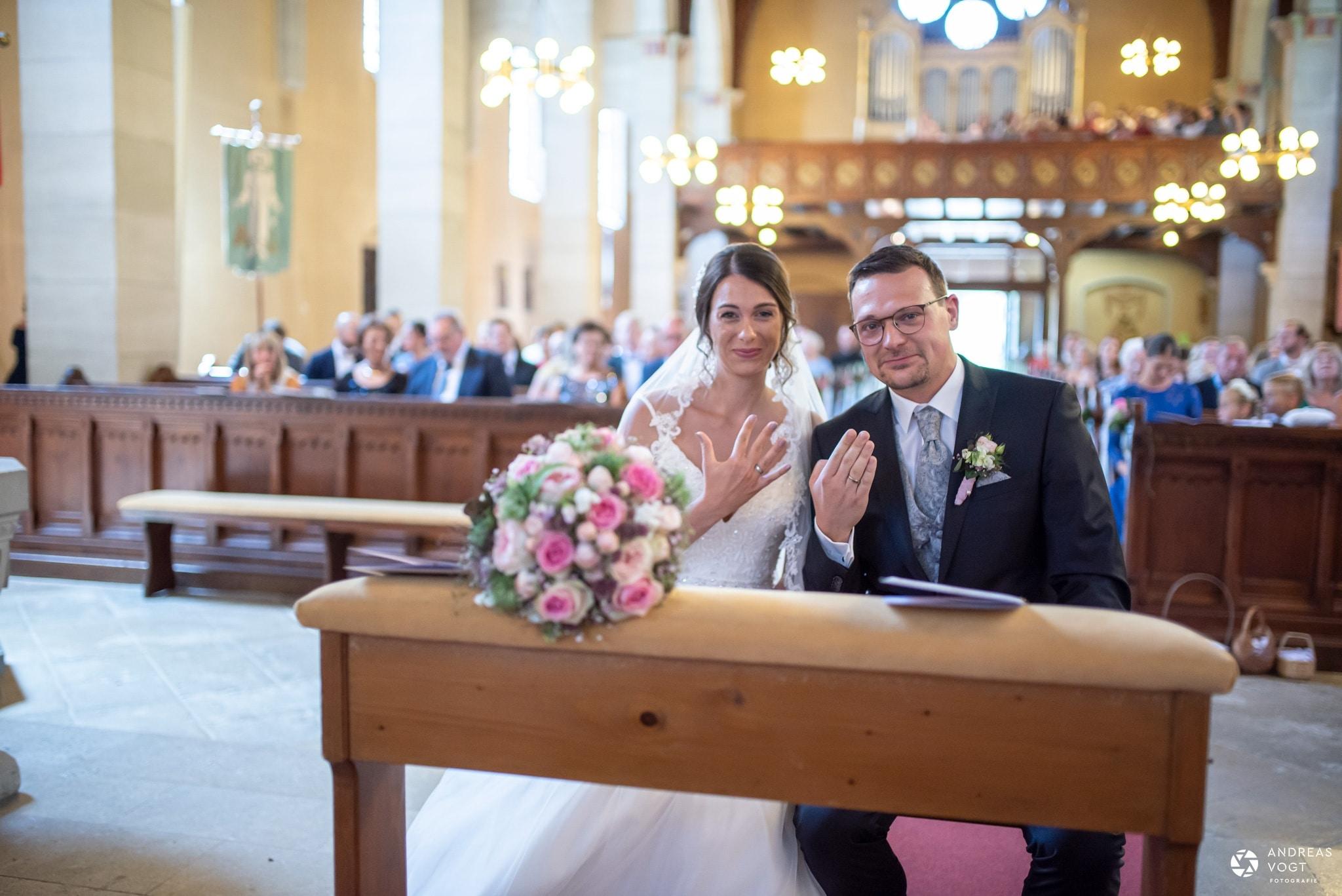 Kirchliche Trauung Fachsenfeld - Ringfotos Nadine und Alex